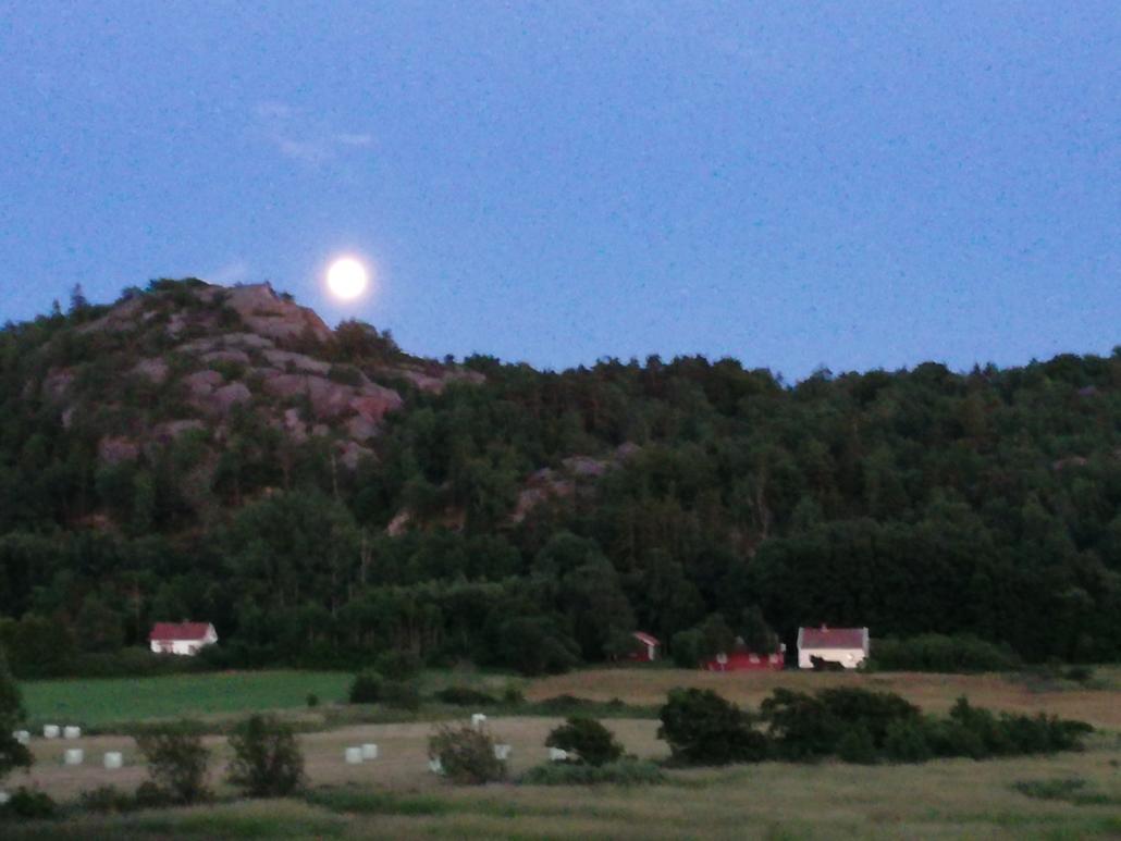 Månen över Soteleden